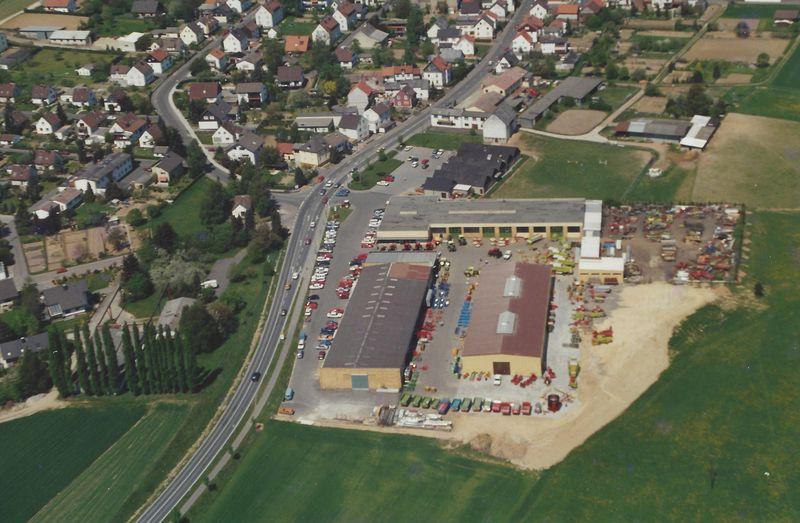 1990 Luftbild mit der neu errichten Lagerhalle