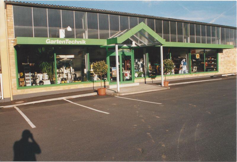 1997 Eröffnung des Gartentechnik-Zentrums