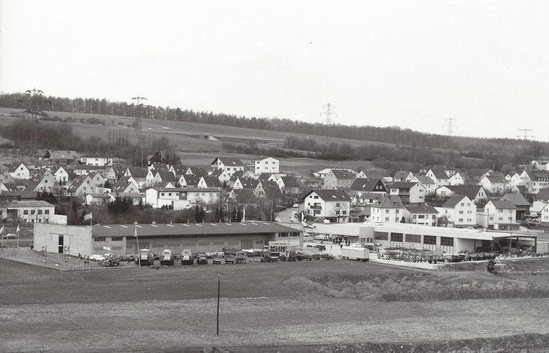 1975 Blick von Osten auf das Firmengelände